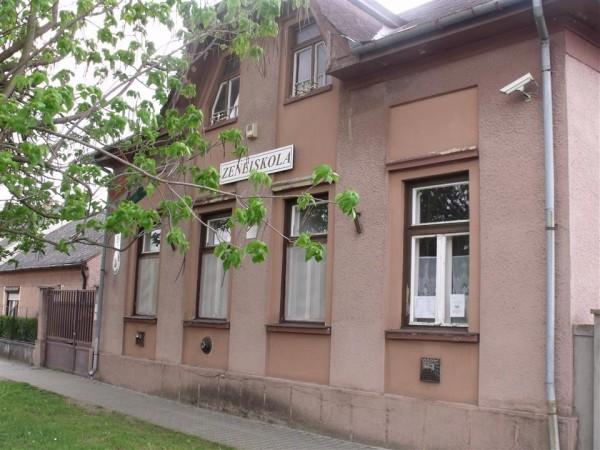 Zeneiskola (2)